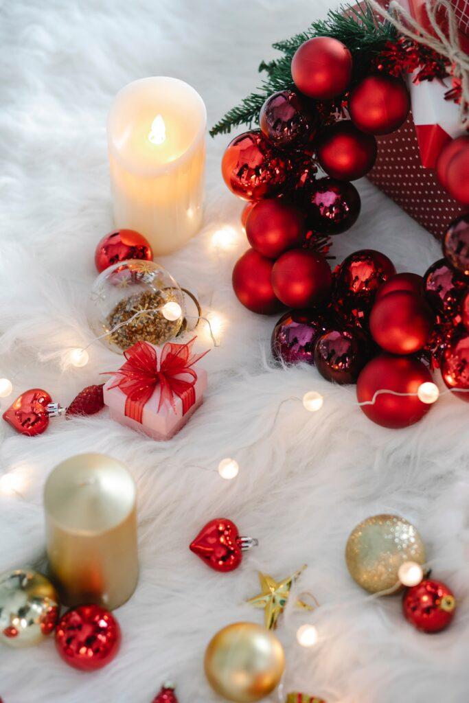 Julpynt: Kulor och ljus